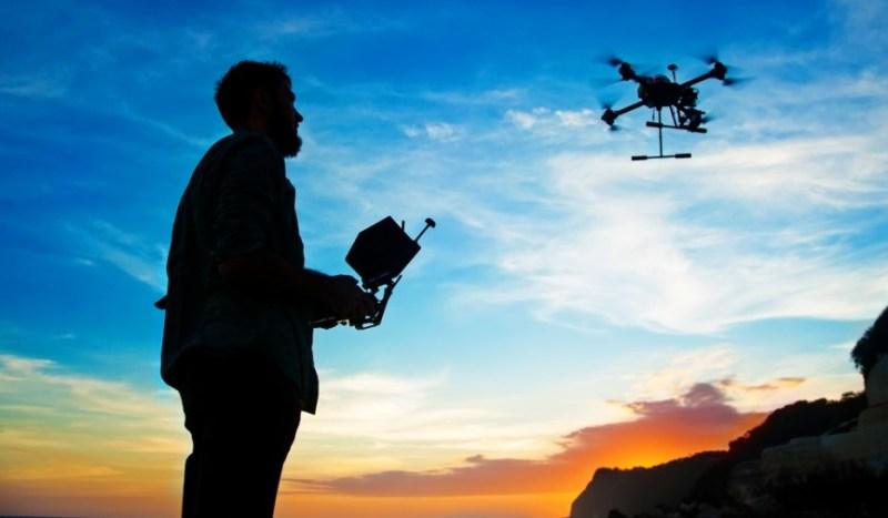 Características que debes buscar si vas a comprar un drone - drone-800x467