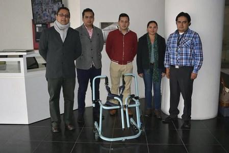 Mexicanos innovan andadera motorizada para asistir a niños con discapacidad motriz