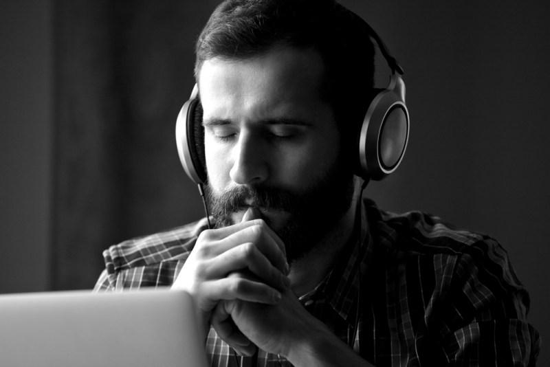 El quemado de auriculares, ¿Verdad o Mito? - quemado-de-auriculares-800x534