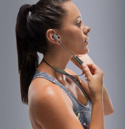 Nuevos audífonos Flye Sport de Braven, resistentes al sudor y al polvo - braven-flye-sport-bluetooth-earbuds_silver-electric-lifestyle-433x450
