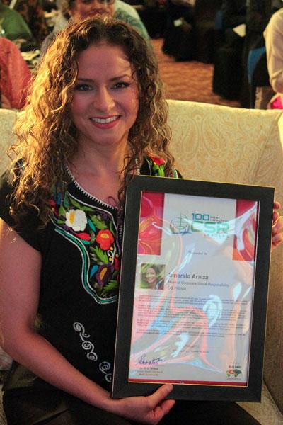 Mexicana galardonada por su liderazgo en Responsabilidad Social a nivel mundial - emerald-araiza-award