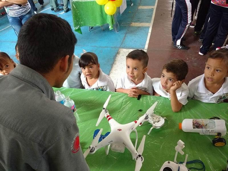 Crean método que enseña robótica a niños con contenidos universitarios - ensenar-robotica-ninos