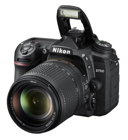 Nikon lanza la nueva cámara D7500