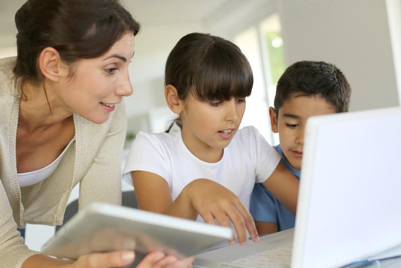 ninos conectados internet 20% de los niños latinoamericanos pasan más de 2 horas conectados a Internet