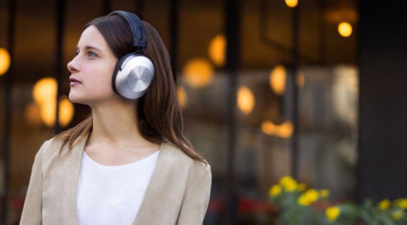 Nueva línea de audífonos Style de Pioneer con audio de alta resolución - pioneer-se-ms7bt-estilo-vida-01-1-800x443