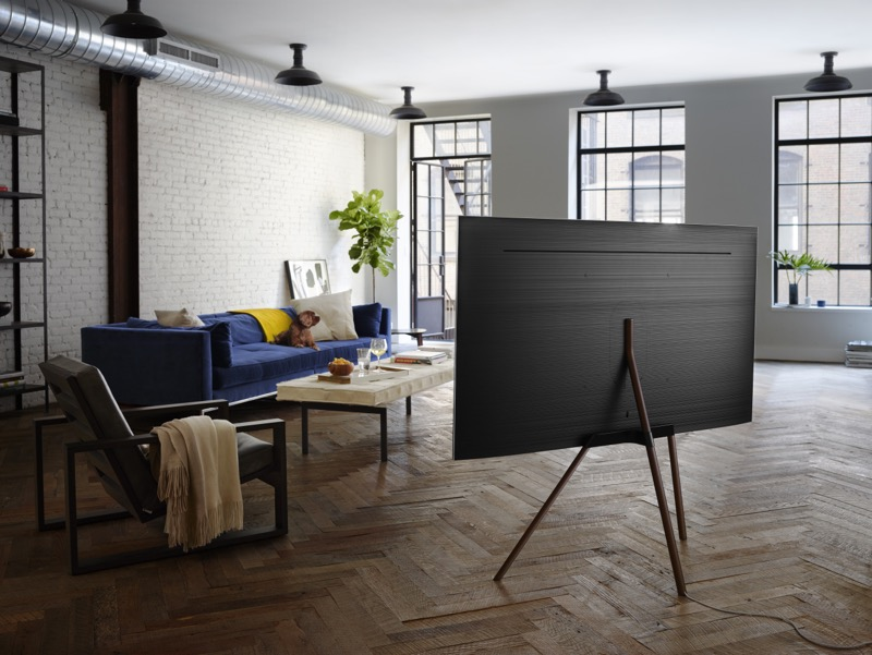 Samsung presenta nueva línea premium de televisores QLED TV - q7f_lifestyle-04-800x601