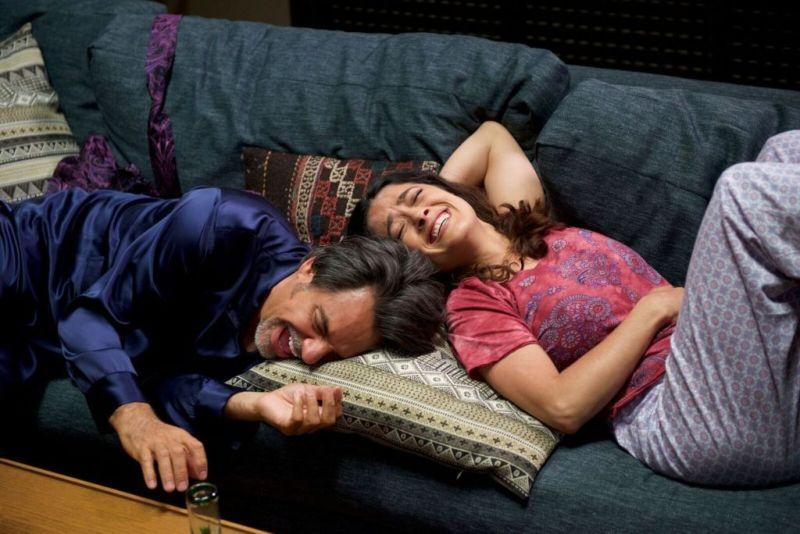 La película Cómo ser un Latin Lover se coloca en primer lugar de taquilla en México - como-ser-un-latin-lover-salma-y-eugenio-3-800x534