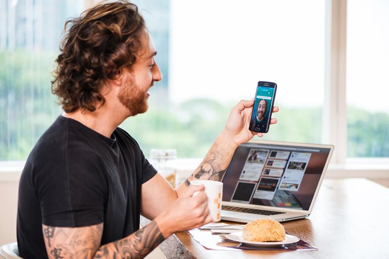 Hacer compras online con una selfie ya es posible con Visa - comprar-online-selfie-tarjetas-visa