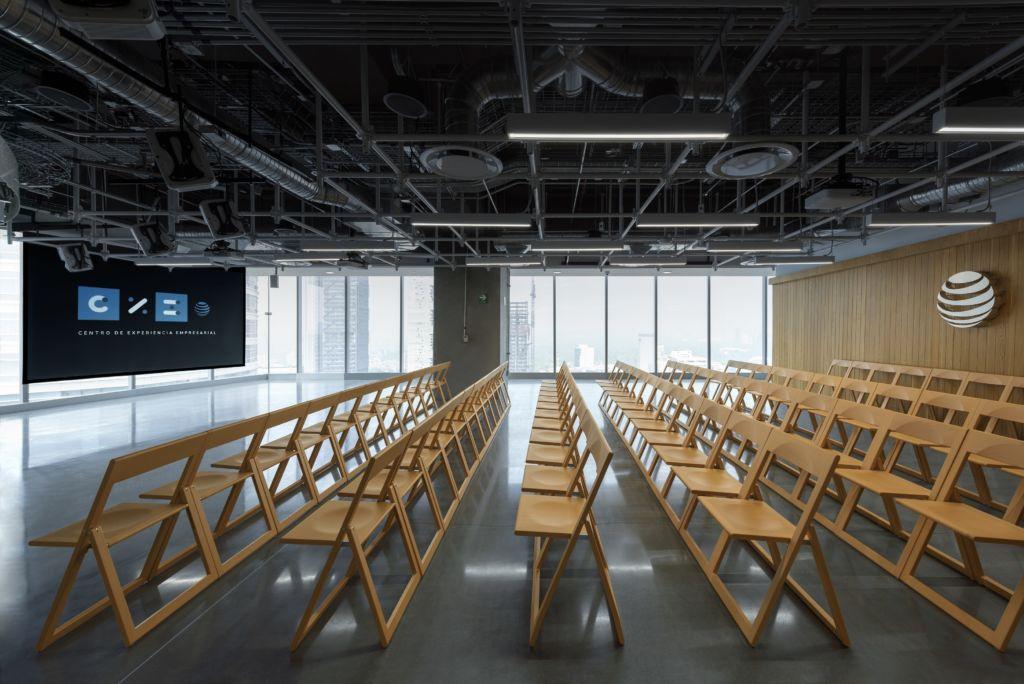 AT&T inaugura su primer Centro de Experiencia Empresarial en América Latina - cxe-06