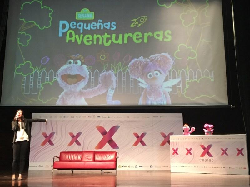Participan Sésamo y Youtube Kids en Código X con proyecto de ciencia para niñas - plaza-sesamo-codigox_1-800x600