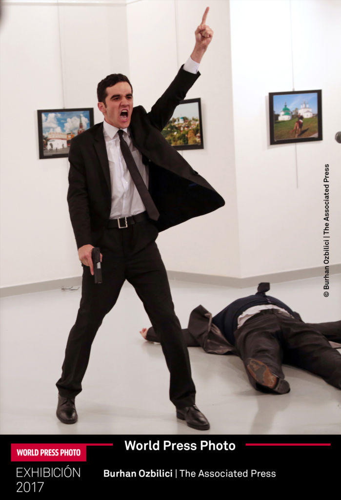 World Press Photo 2017 llegó al Museo Franz Mayer de la Ciudad de México - burhan-ozbilici