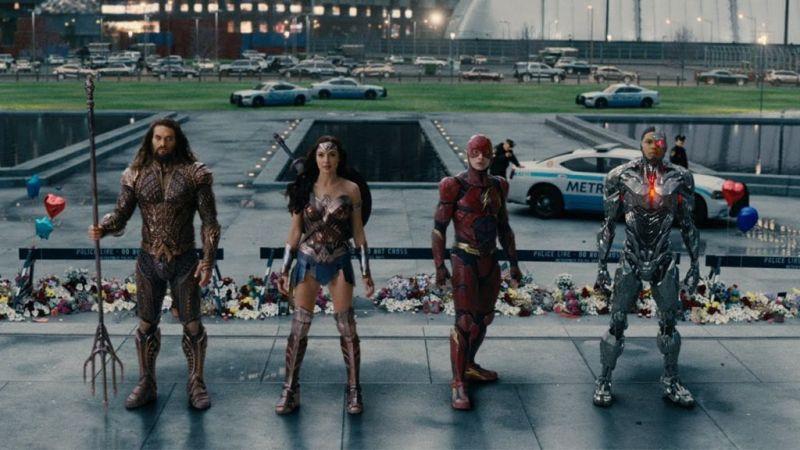 DC presenta sus futuros proyectos en el SDCC 2017 - justice-league-sdcc-2017