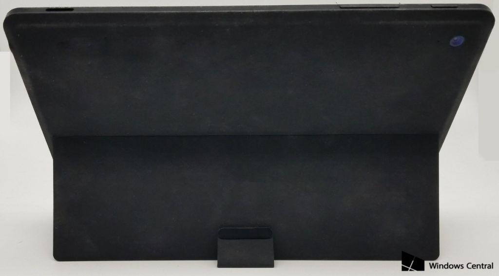 Conoce a la Surface Mini: la pequeña tablet de Microsoft que nunca se presentó - surfacemini-back