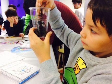 Imparten curso de Biotecnología a niños en RobotiX