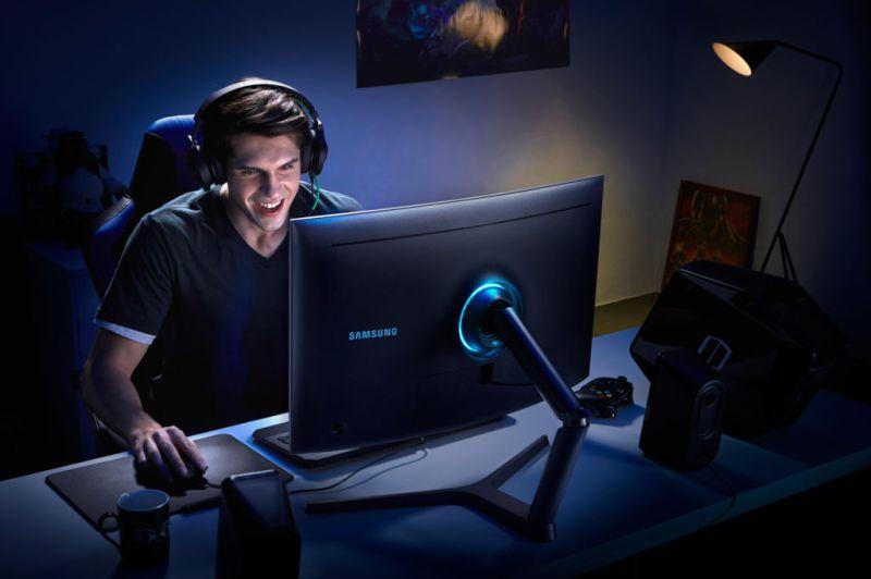 Los cuatro géneros más populares en el mundo del PC gaming - monitor-curvo-cfg70-samsung-800x532