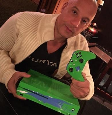Xbox diseña consola Xbox One S inspirada en Paul Walker - consola-xbox-one-s-inspirada-en-paul-walker