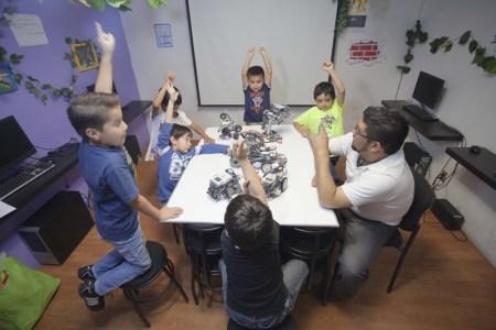 Cursos para niños que impulsan la ciencia y tecnología