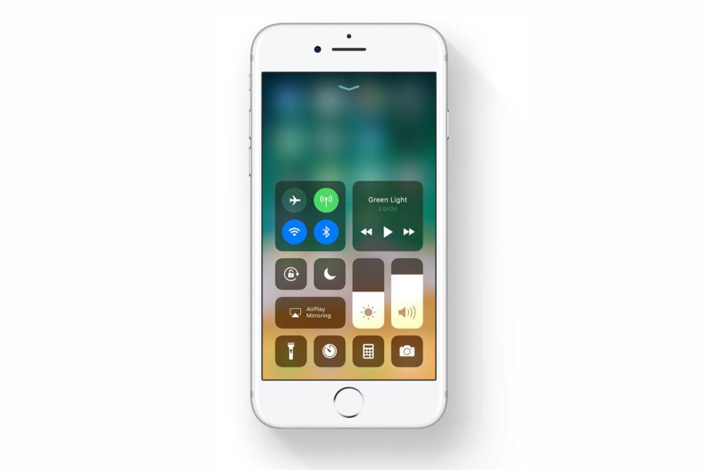 Apple lanza una nueva actualización para iOS 11: la versión 11.0.3 - ios-11-control-center