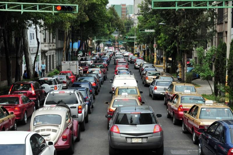 trafico cdmx 800x533 9 cosas que no sabías de los coches que circulan en la CDMX