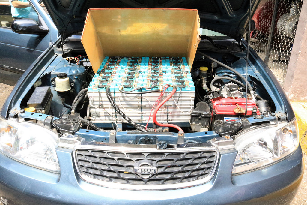 Académico mexicano logra convertir un auto de gasolina a eléctrico - auto-de-gasolina-a-electrico_2