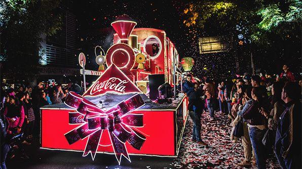 Coca Cola invita a dar gracias esta Navidad, a través de Facebook - caravana-coca-cola