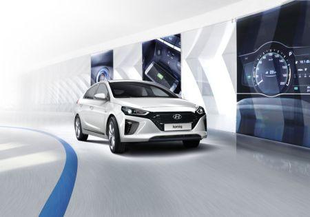 Hyundai Ioniq: el auto híbrido de diseño futurista que ya está disponible en México