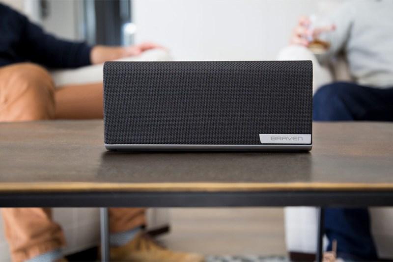 BRAVEN presenta su serie de bocinas Bluetooth Premium - braven-1100-wireless-bluetooth-speaker-graphite-800x534