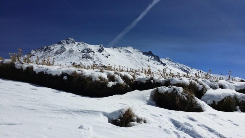 Los lugares nevados en México y cuanto cuesta vivir en ellos - nevado-de-toluca-nieve-800x450