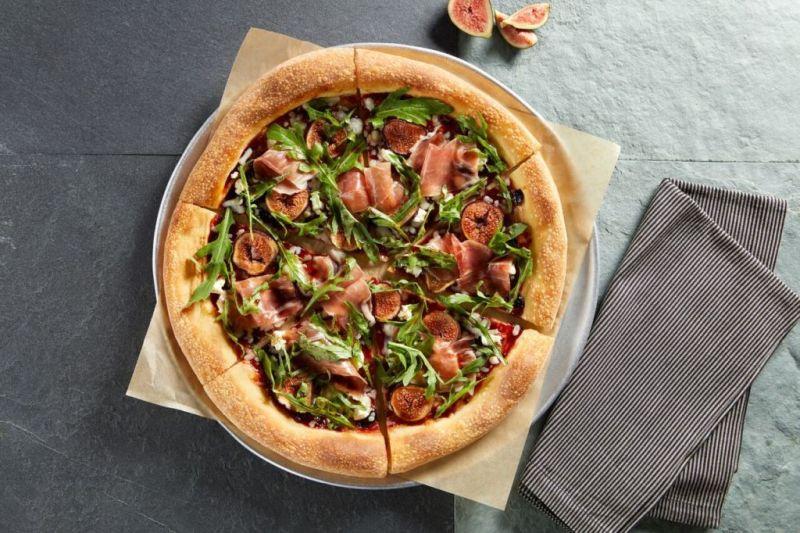 10 datos que no conocías de California Pizza Kitchen para celebrar sus 10 años - sweet-italian-pizza-800x533