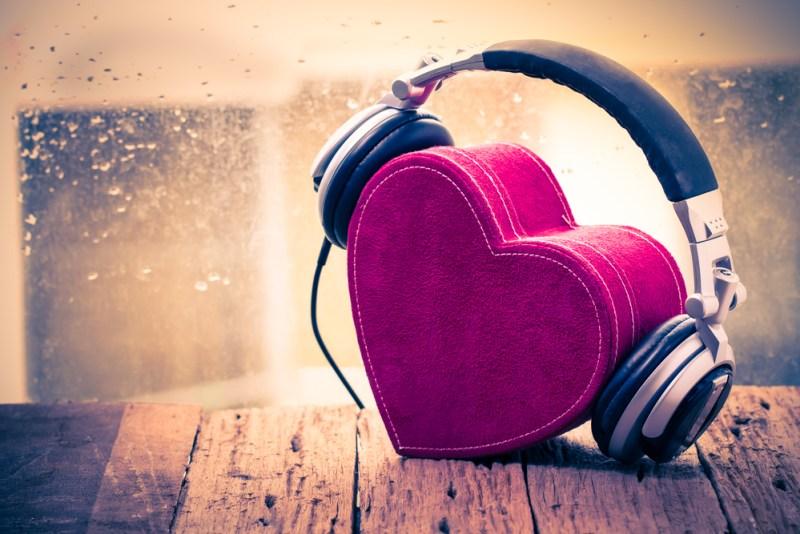 Spotify revela las canciones más escuchadas de amor, sexo y desamor - musica-de-amor-800x534