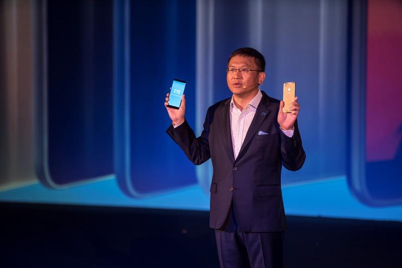 Presentan el ZTE Blade V9 en el Mobile World Congress 2018 - sr-cheng-presenta-ztebladev9-800x534