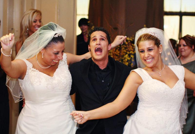 """Estreno del nuevo reality de E! """"¿De quién es esta boda?"""" - 1-de-quien-es-esta-boda-e-entertainment-800x552"""