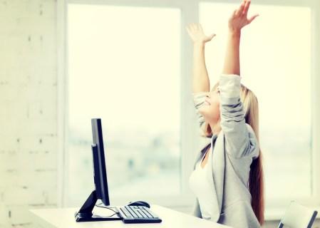 Cuatro cursos que te enseñarán a ser feliz