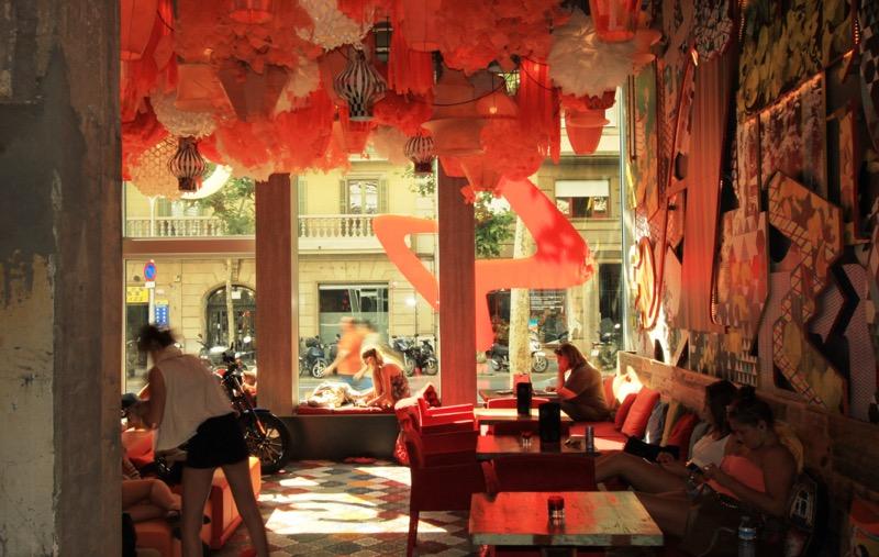 7 Hoteles perfectos para mujeres que viajan solas - generator-hostel-barcelona-1