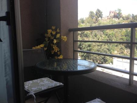 7 Hoteles perfectos para mujeres que viajan solas - trivento-apparts-santiago-2