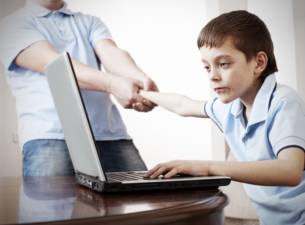 44% de los padres en México se preocupa por la adicción que tienen sus hijos a Internet - adiccion-que-tienen-sus-hijos-a-internet