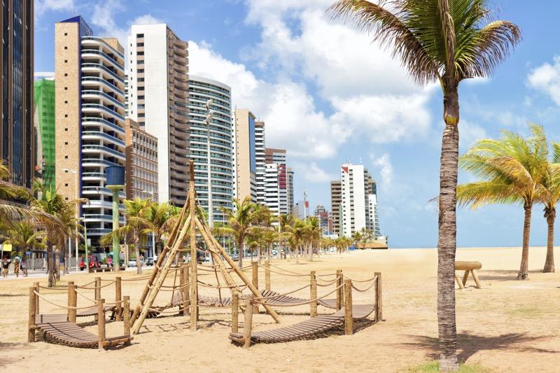 Booking.com revela los meses más baratos para conocer Latino América - fortaleza-brasil-800x533