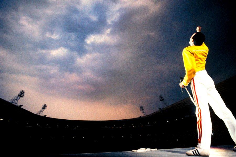 'Bohemian Rhapsody' será la película biografica de Freddie Mercury. Mira aquí el trailer - freddie-mercury-at-wembley-900x600
