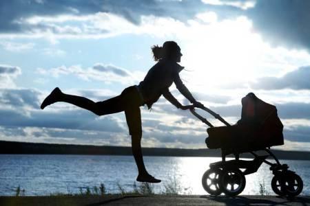 6 cosas que revelarán si eres toda una Mamá Millennial - shutterstock_82386655-450x300