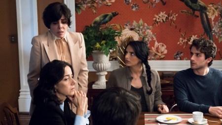 Netflix revela las primeras imágenes de La casa de las flores - la-casa-de-las-flores_3