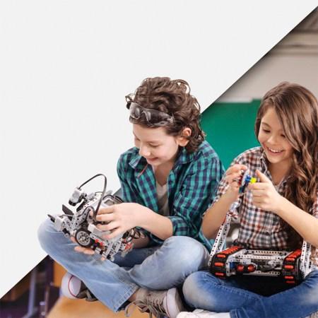 Cursos de verano enfocados en ciencia y tecnología ayudan en la formación de la niñez - robotix-verano-2-450x450