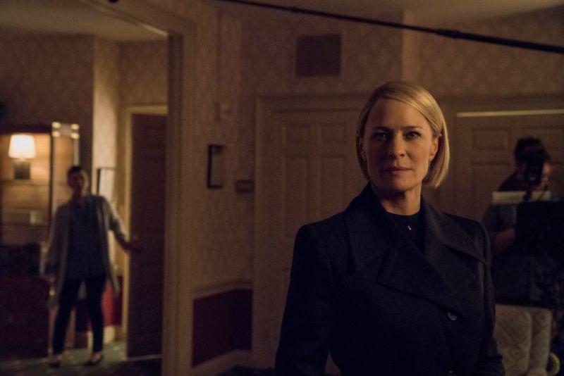 Revelan las primeras imágenes de la sexta temporada de House of Cards - ultima-temporada-de-house-of-cards-800x534