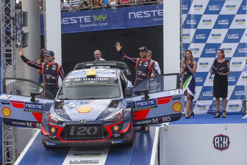 Hyundai Shell Mobis WRT conserva la cima del FIA World Rally Championship - hyundai-shell-mobis-wrt-800x533