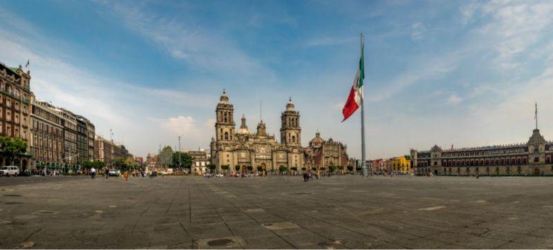 ¿Cuánto cuesta vivir en el Centro Histórico de la CDMX? - amlo-palacio-nacional-800x362