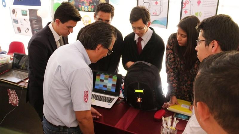 Crean alumnos mexicanos mochila inteligente que evita olvidar material escolar - mochila-inteligente-800x449