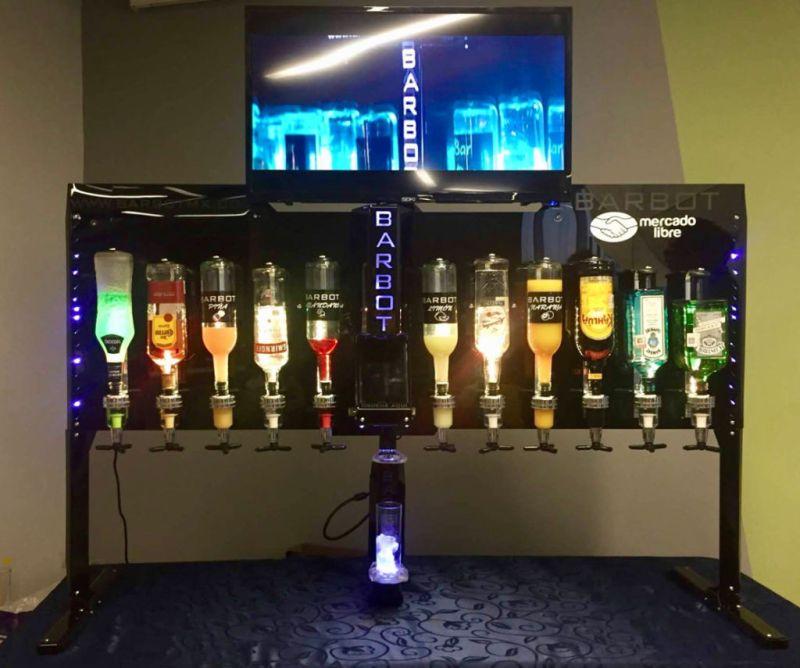 Barbot, el bar robótico mexicano que ni Marty McFly tiene - barbot-800x668