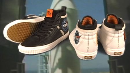 VANS Space Voyager, colección dedicada a la NASA ya disponible ¡conoce tiendas y precios! - ho18_spacevoyager_sk8hi46mtedx_lineup_elevated