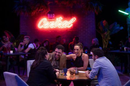 La icónica comediante mexicana será la anfitriona de la nueva temporada de Bar Central