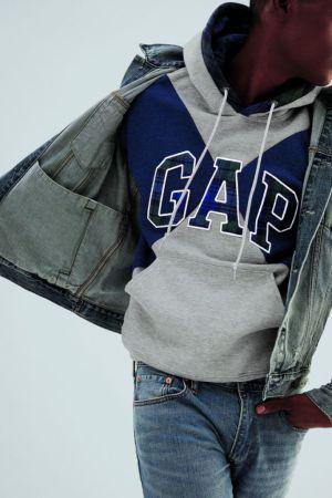 GQ colabora con Gap para crear una colección de sudaderas de edición limitada - gap_6