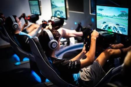 Razer se asocia con el mundialmente famosos equipo de esports de Fórmula 1 - razer-y-williams-formula1-450x300